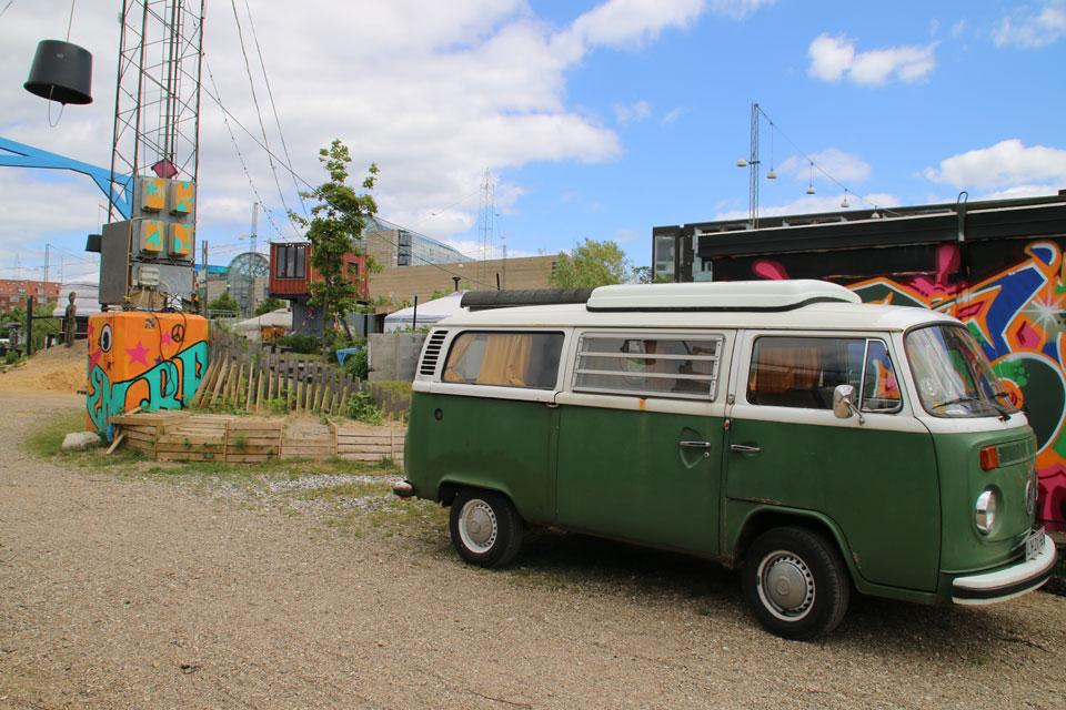 Старый микроавтобус Мерседес