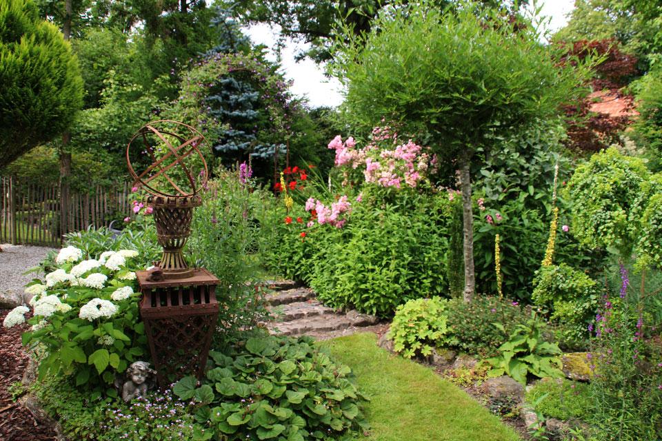 Сад в стиле ренессанс поражает разнообразием форм