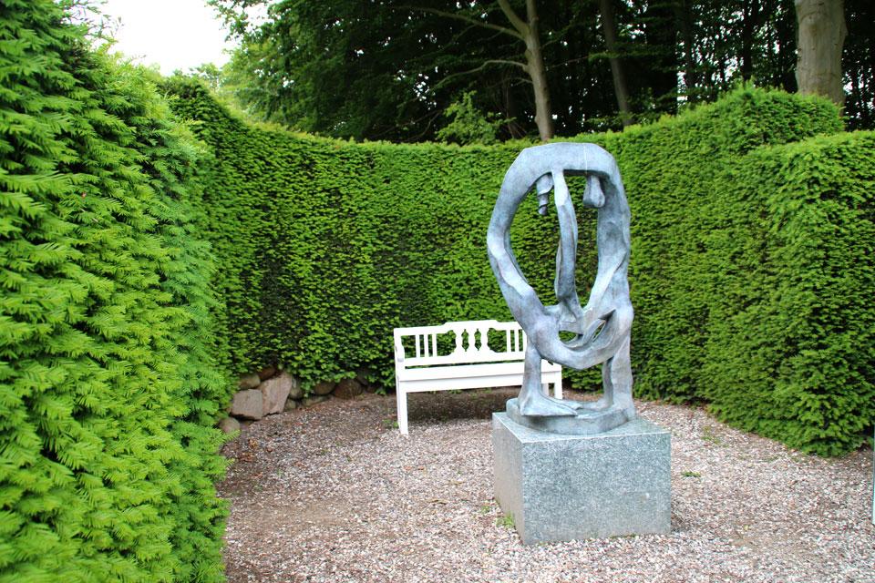 Эту скульптуру сделал сам принц Хенрик