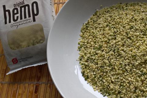 Очищенные семена конопли