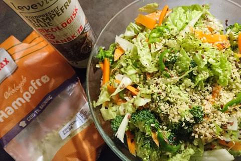 Салат с коноплей