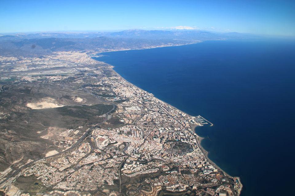 Побережье Средиземного моря Коста-дель-Соль. Вид с самолета. Фото 12 фев. 2018