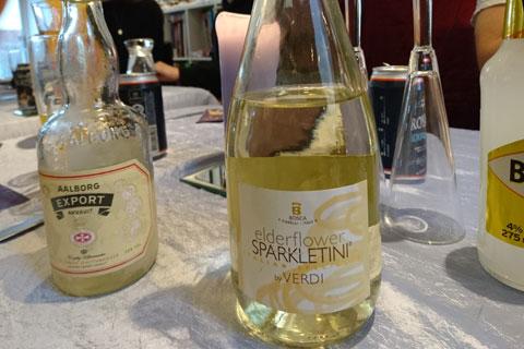 Вино с цветками бузины
