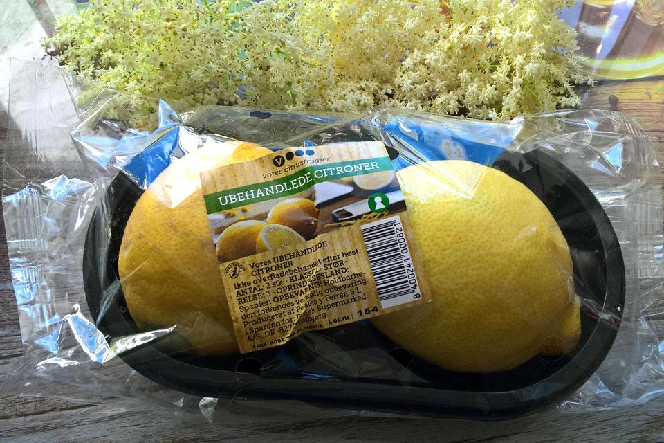Лимоны с необработанной поверхностью. Фото 16 июня 2017, Орхус, Дания