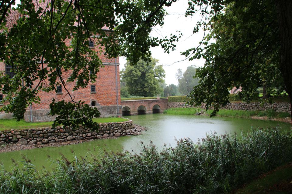 старинный замок-крепость Розенхольм (Rosenholm)
