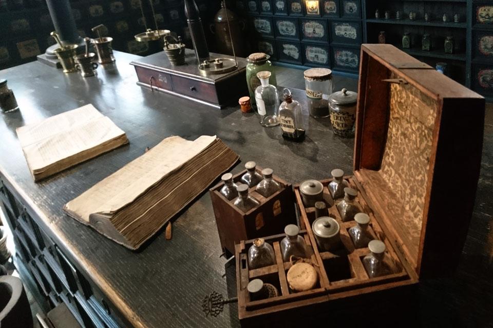 Старая аптека от 1720 года в музее Старый Город, г. Орхус / Aarhus, Дания.