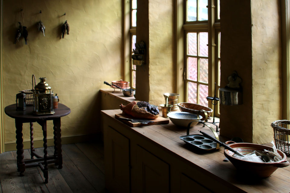 Прямоугольная форма на кухне начала 18 века.