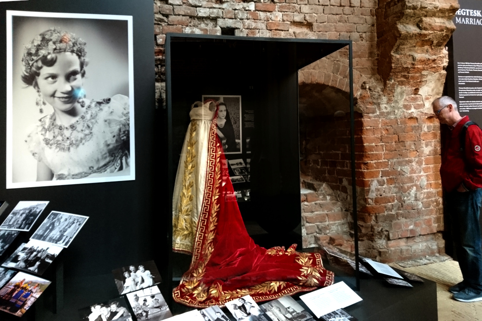 платье королевы Дезире Клари - Жена короля Швеции и Норвегии Карла XIV