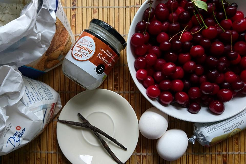 Вишневый пирог с марципаном - ингредиенты