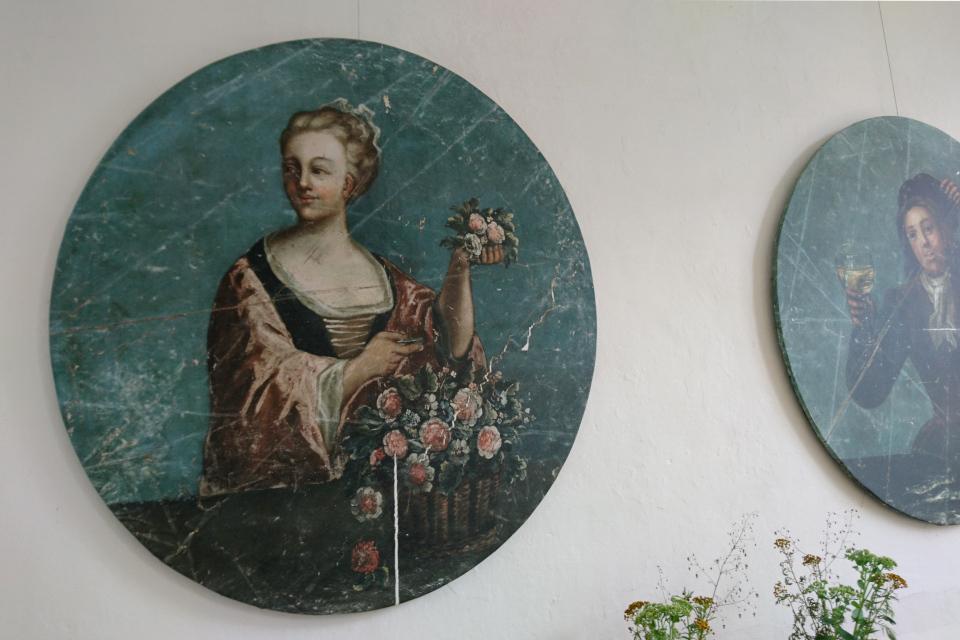 Дама с розами Гамель Эструп / Gammel Estrup, Аунинг, Дания