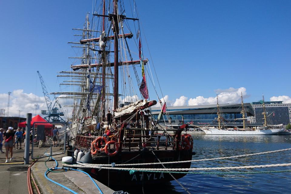 Испанский парусник Atyla. Фото 2 авг. 2019, порт г. Орхус / Aarhus, Дания