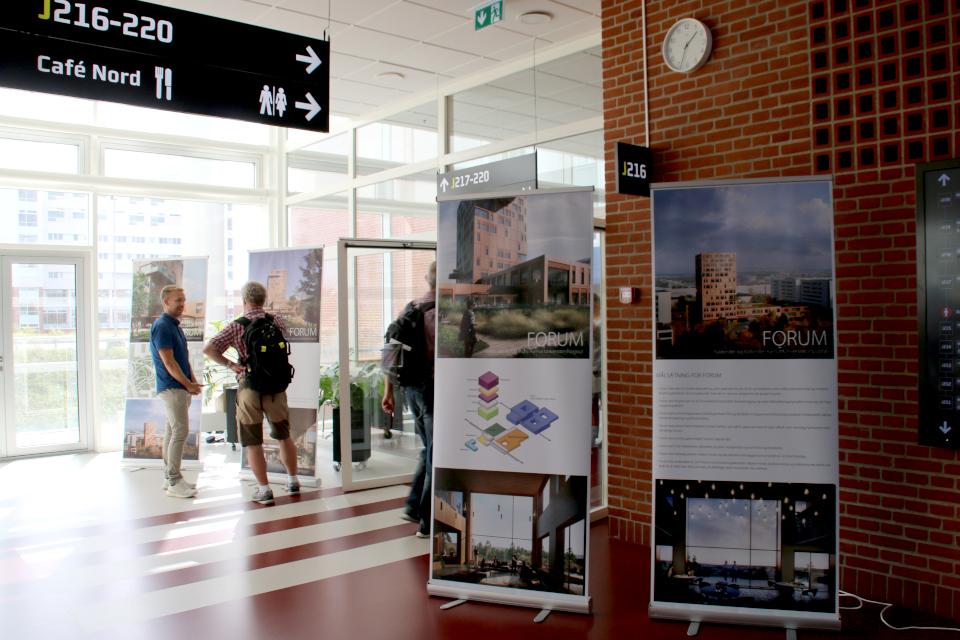 Плакаты про оформление нового здания внутри и снаружи