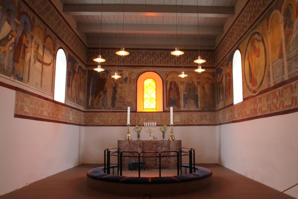 Алтарь с фресками церкви Еллинг. Фото 12 фев. 2019, Еллинг /Jelling, Дания