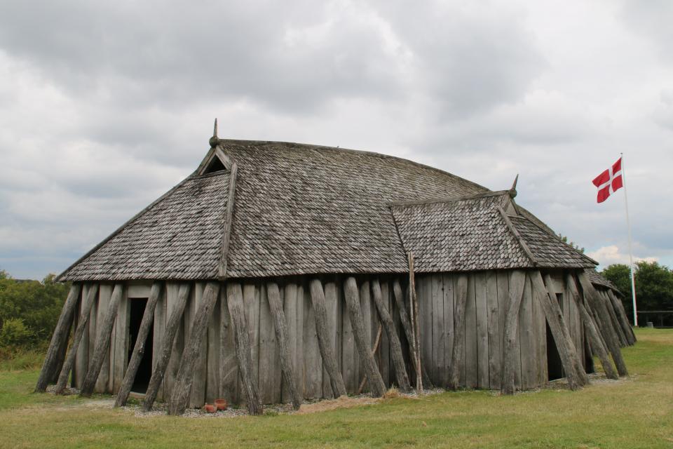 Длинный дом викингов. Фото 11 июл. 2019, поселение викингов Фюркат, Дания