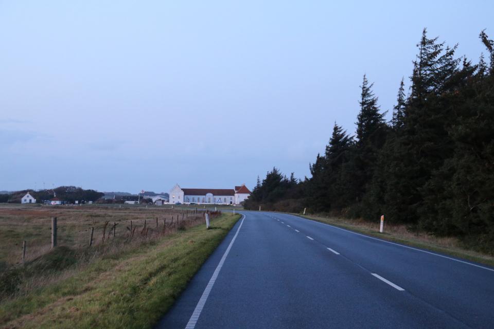 Дорога, возле которой расположен Монастырь Витскол (да. Vitskøl Kloster)