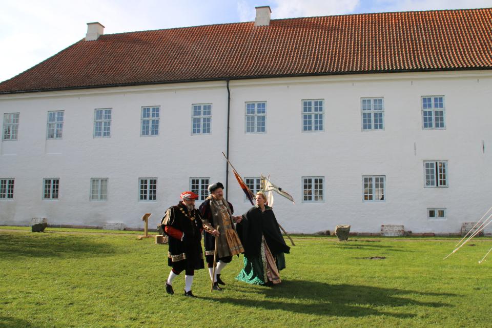 Королевский визит начала 1500 годов. Средневековый фестиваль в монастыре