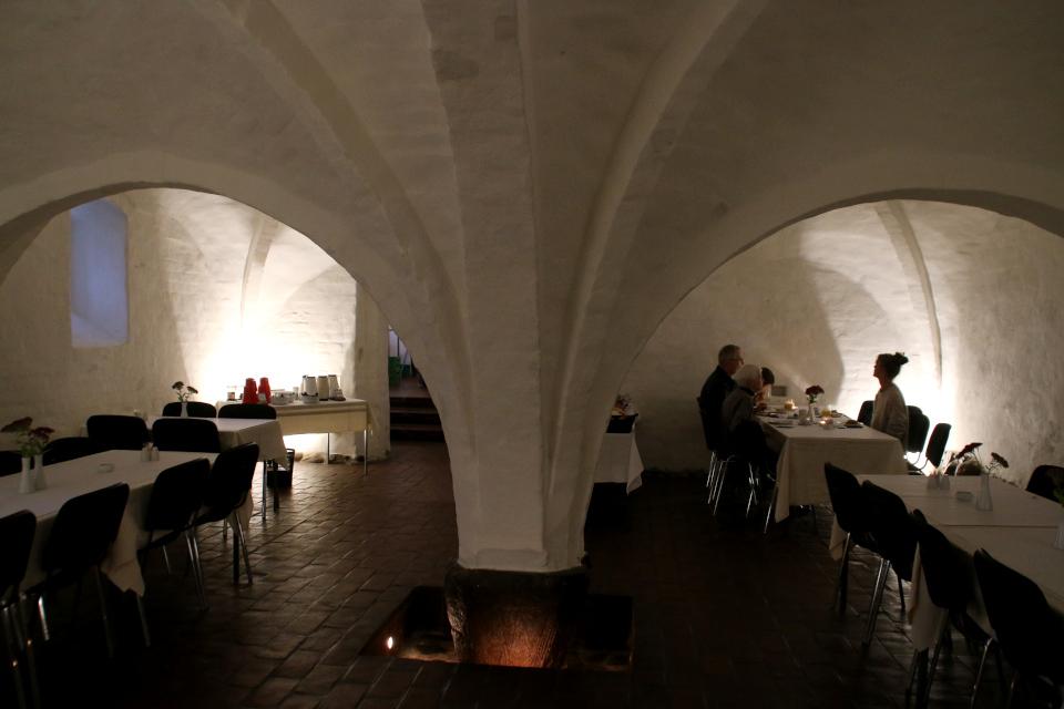 Завтрак в подвале монастыря (munkekælder) Витскол. Фото 14 окт. 2019
