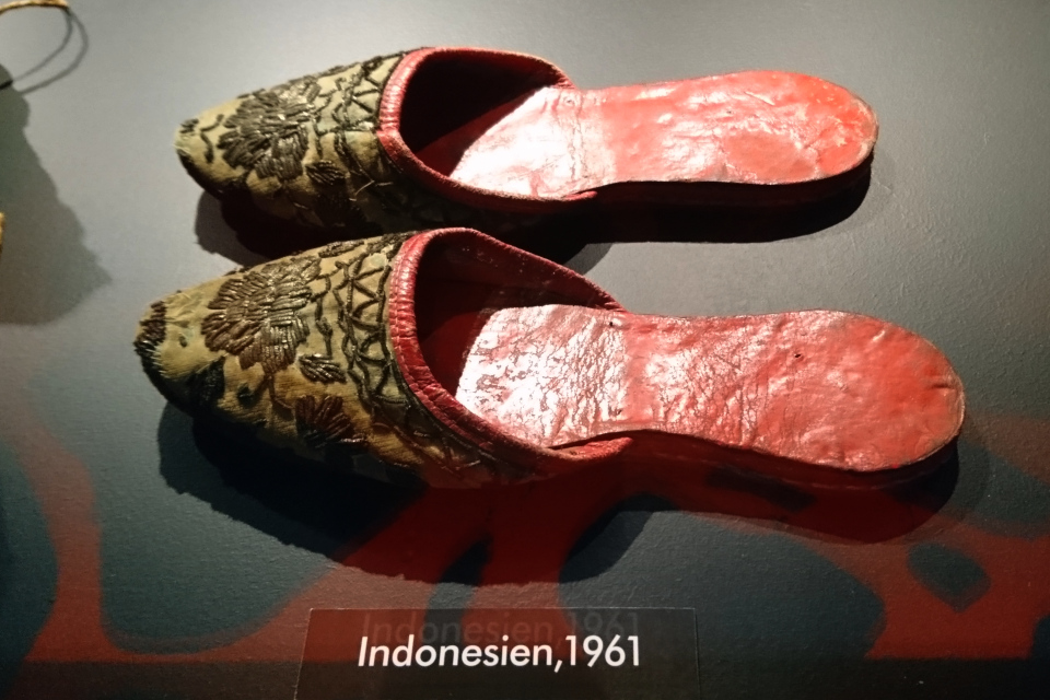 Сандали с заостренным носом, которые Сёрен Тыксен приобрел в Индонезии в 1961