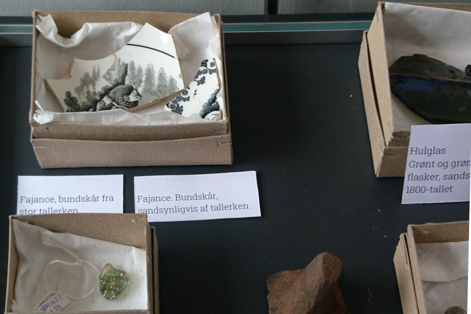 Открытая археология в Скандерборге - находки: фаянс. Фото 17 окт. 2019