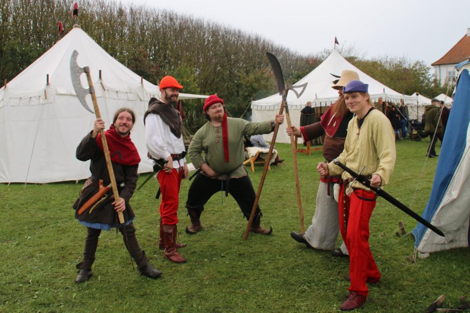 Ох рано, встает охрана. Средневековый фестиваль в монастыре Витскол