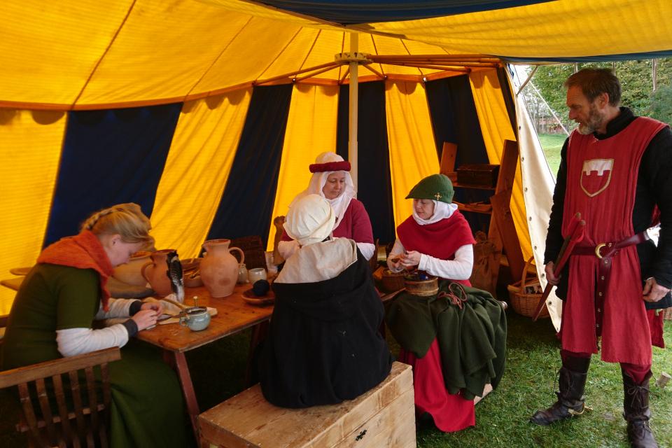 Ремесла и торговля. Средневековый фестиваль в монастыре Витскол