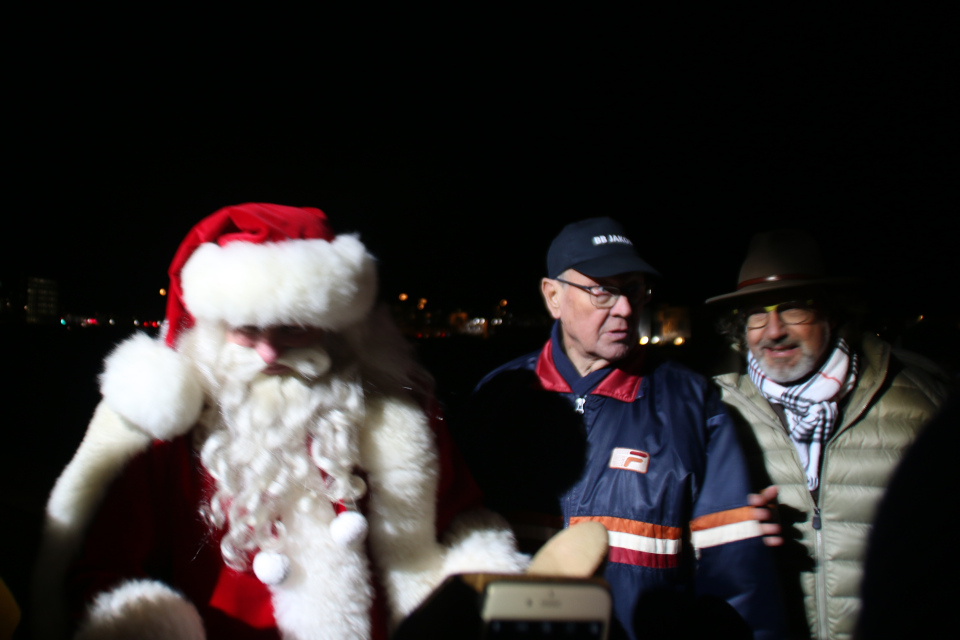 Дед мороз в порту гавани, слева - Клаус Бех (Claus Bech)