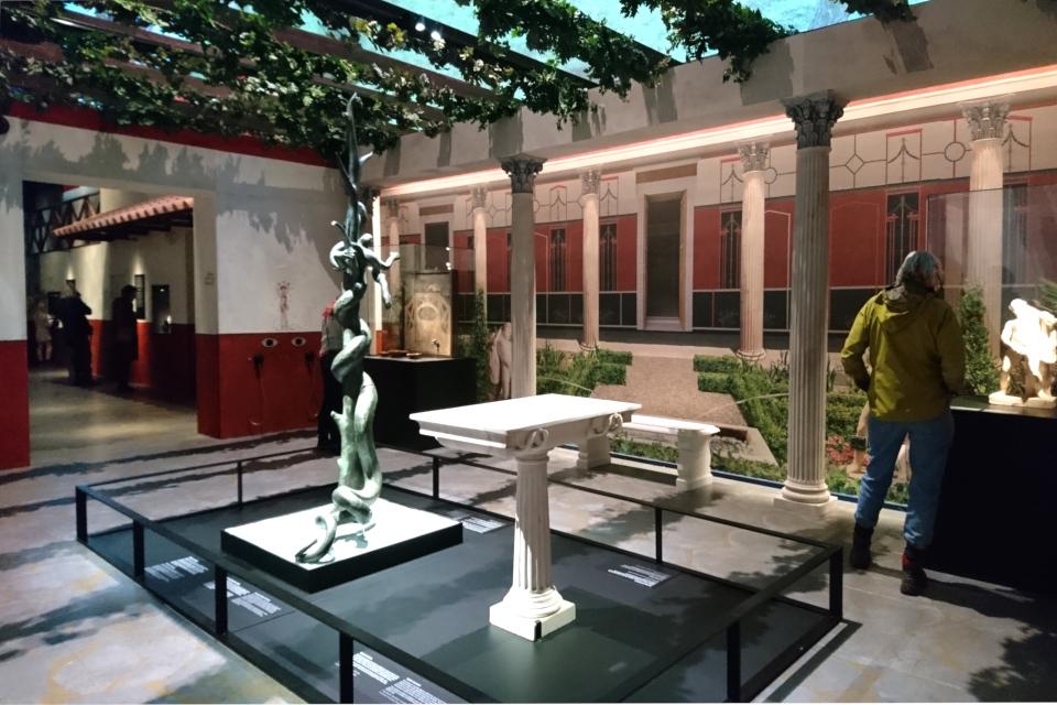 Реконструкция внутреннего дворика богатого жителя Помпеи