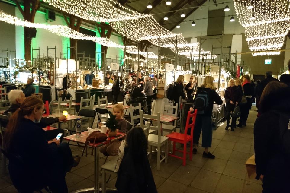 Рождественский базар в Ридехусет Орхус, Дания. Фото 12 дек. 2019